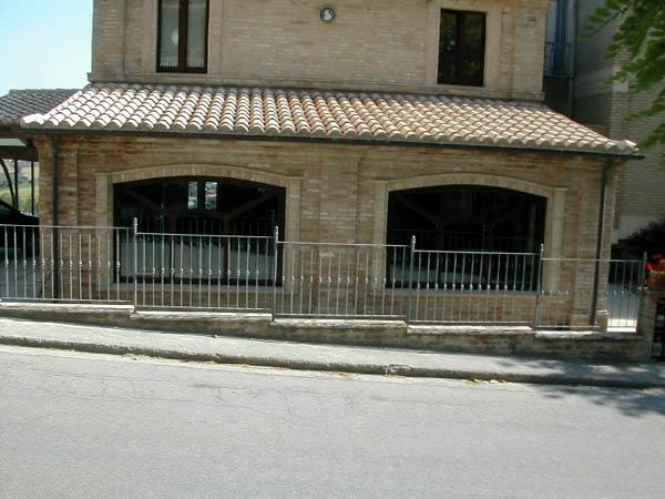 I mastri fornaciai cotto e vetro il contrasto antico moderno nell architettura contemporanea - Cornici finestre in mattoni ...